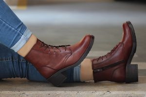 کفش چرم سورنا