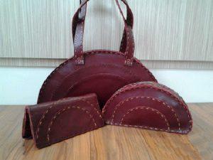 کیف های چرم زنانه قرمز