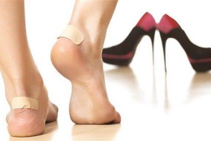 چه کار کنیم کفش نو پا را نزند؟